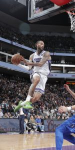 SACRAMENTO, CA - MARCH 21: Willie Cauley-Stein #00 of the Sacramento Kings passes the ball against the Dallas Mavericks  on March 21, 2019 at Golden 1 Center in Sacramento, California. NOTE TO USER: User expressly acknowledges and agrees that, by downloading and or using this Photograph, user is consenting to the terms and conditions of the Getty Images License Agreement. Mandatory Copyright Notice: Copyright 2019 NBAE (Photo by Rocky Widner/NBAE via Getty Images)