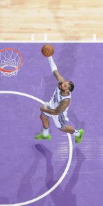 SACRAMENTO, CA - APRIL 2: Willie Cauley-Stein #00 of the Sacramento Kings goes up for the shot against the Houston Rockets on April 2, 2019 at Golden 1 Center in Sacramento, California. NOTE TO USER: User expressly acknowledges and agrees that, by downloading and or using this photograph, User is consenting to the terms and conditions of the Getty Images Agreement. Mandatory Copyright Notice: Copyright 2019 NBAE (Photo by Rocky Widner/NBAE via Getty Images)